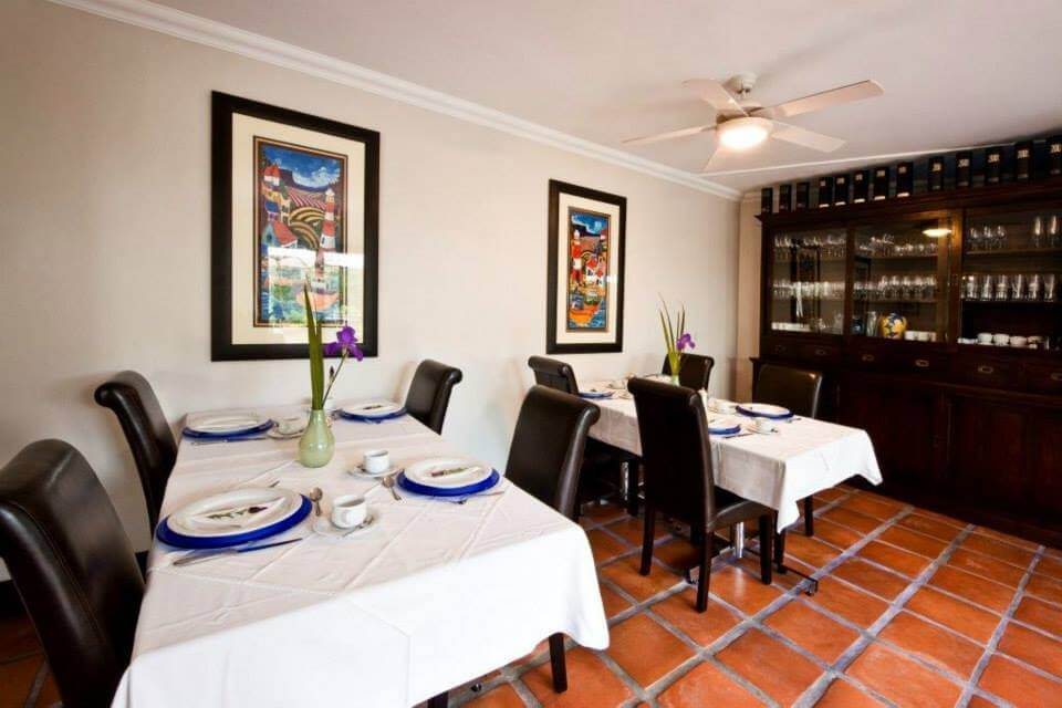 Southern Light Guesthouse diningroom